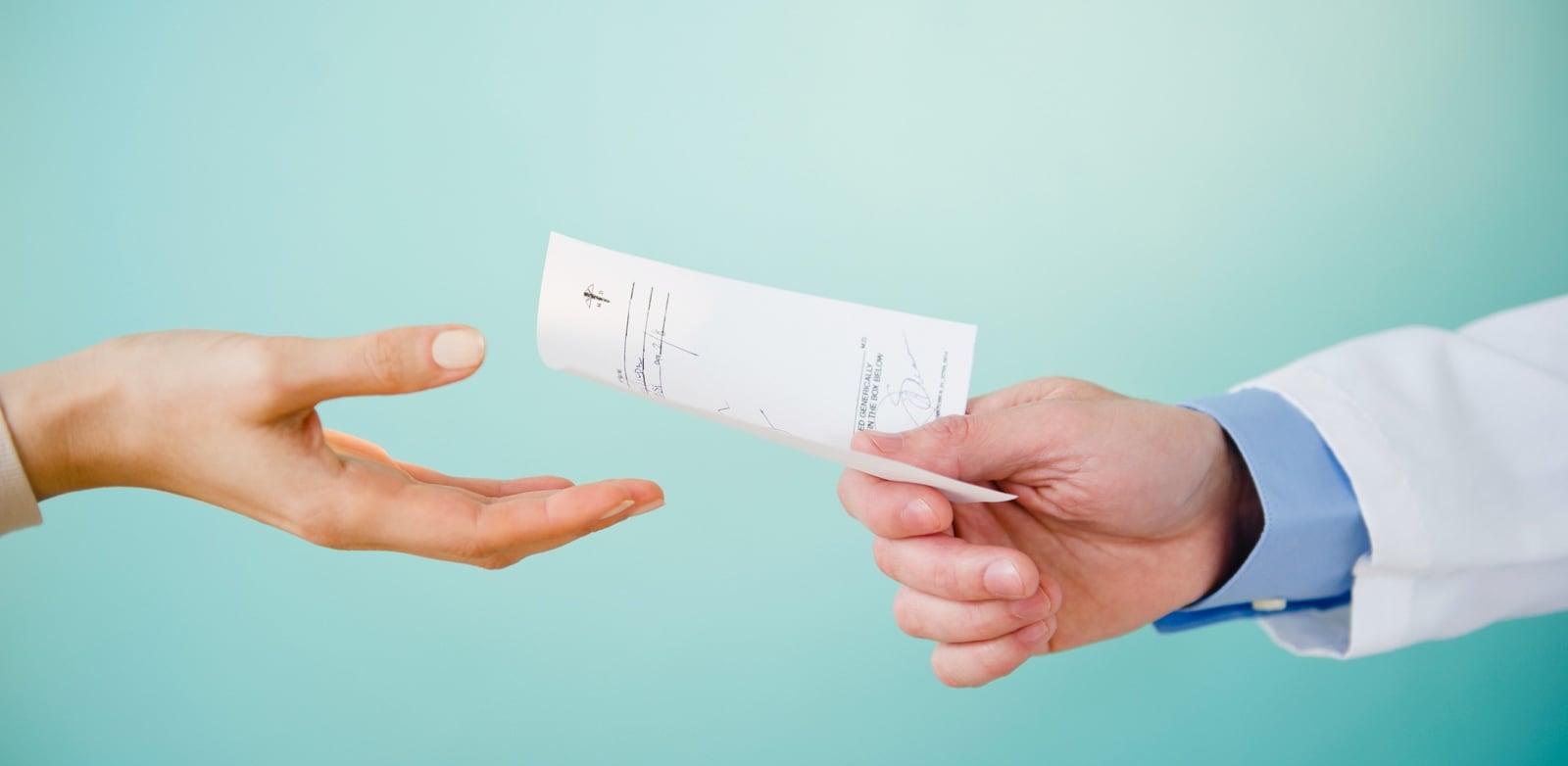 How long do contact lens prescriptions last?